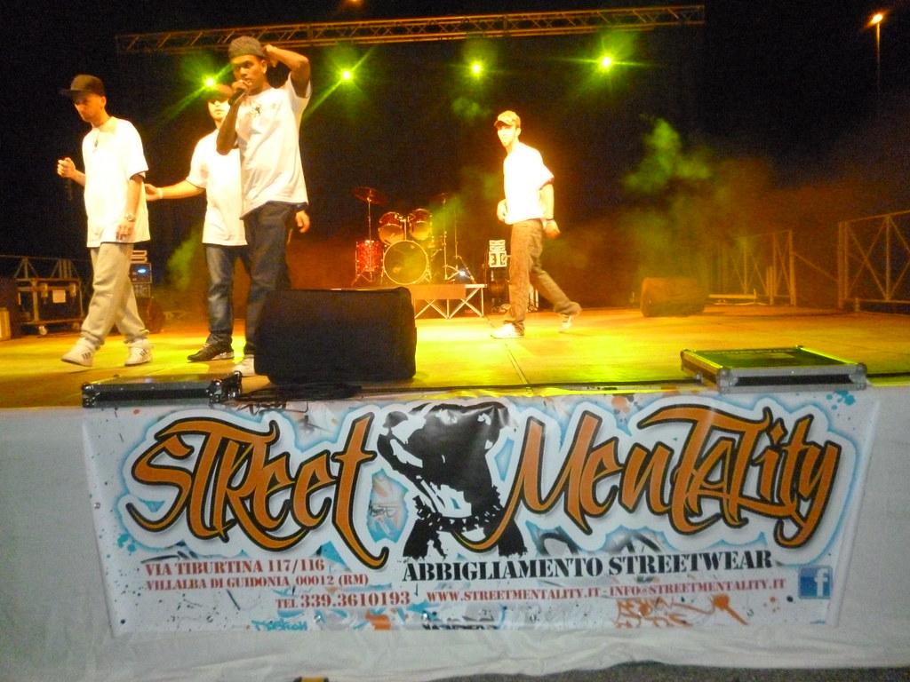 competitive price 265c4 0c44a Musica rap e Hip Hop : Festa della Birra a Mandela (Roma ...