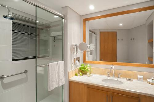 Baño del Penthouse — Hotel Irotama del Sol (Santa Marta, Colombia) | by Hotel Irotama Resort Santa Marta