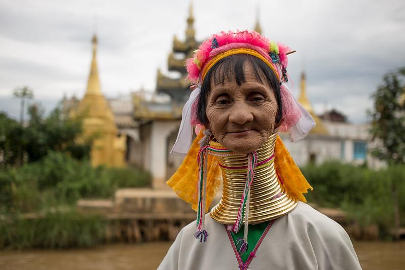 Myanmar'ın Kayan Kadını