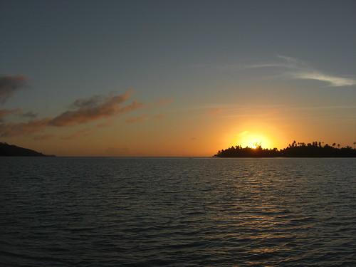 france sunrise pacific pacificocean huahine oceania frenchpolynesia républiquefrançaise polynésiefrançaise domtom frenchrepublic îlessouslevent archipeldelasociété