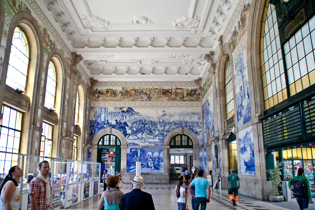 Porto Sao Bento train station