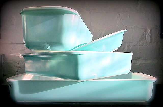 Turquoise Pyrex utility dishes.