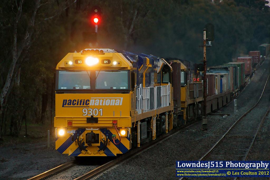 9301, 9302, NR50 & NR40 near Dysart by LowndesJ515