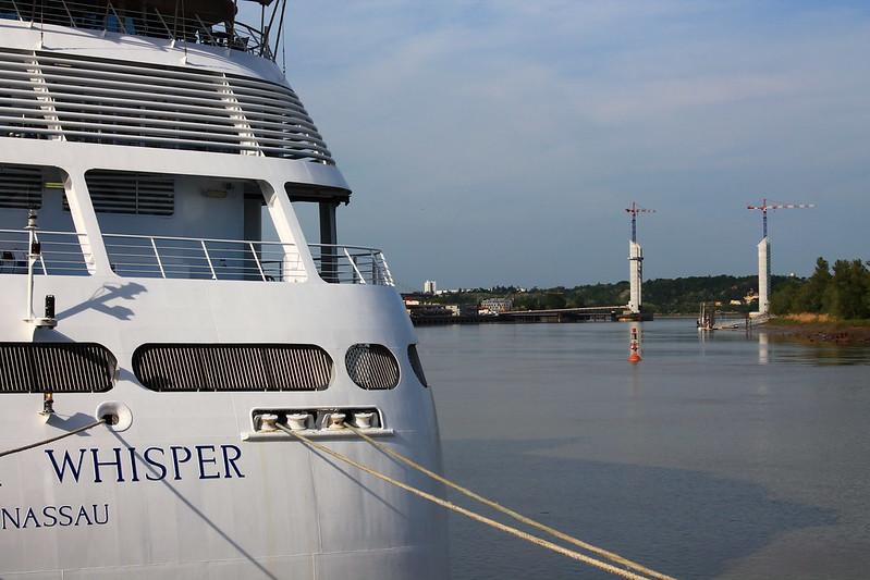 Pont Bacalan-Bastide et Paquebot Silver Whisper dans le Port de la Lune, Bordeaux - 10 mai 2012
