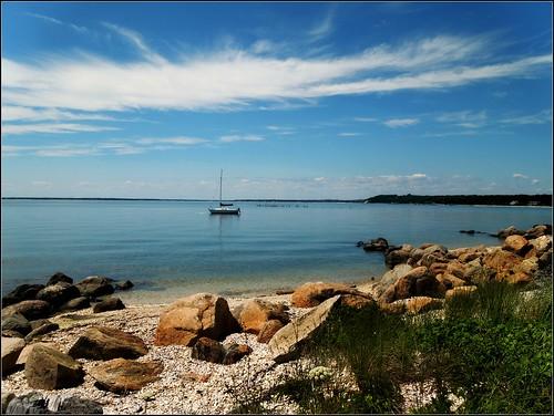 beach water sailboat bay rockybeach sagharbor blinkagain