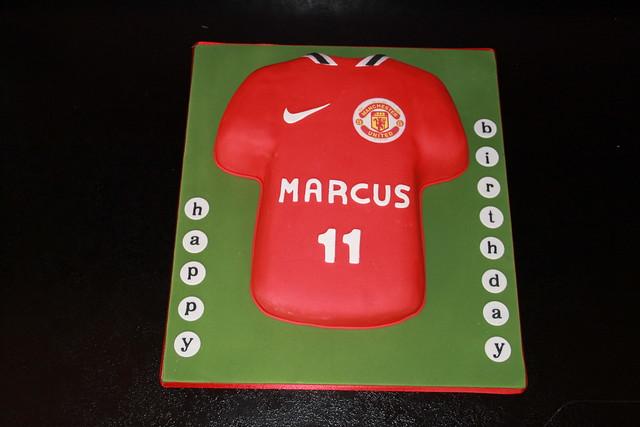 man united shirt cake