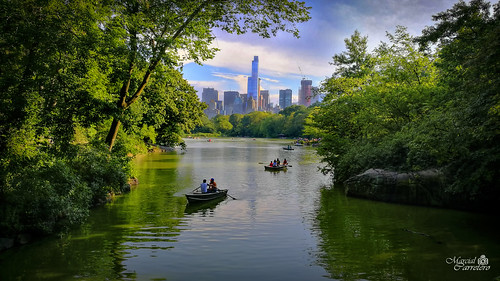newyork centralpark nyc manhattan lake lago puente bankrock paisaje landscape boats summer