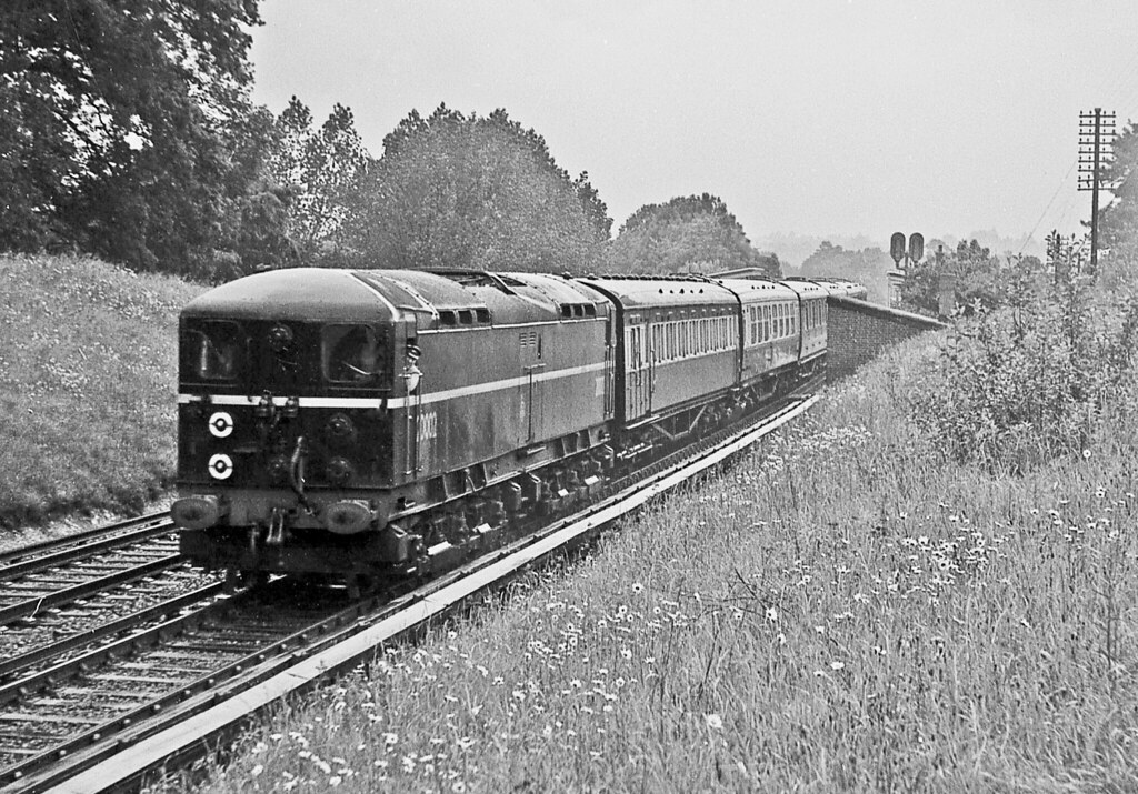 20002 passing through Wivelsfield with the 0905 Victoria to Newhaven Harbour 16 June 1956