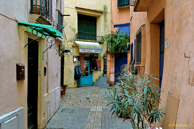 Streets and alleys of Collioure