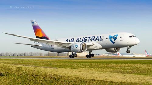 AIR AUSTRAL B787-8 DREAMLINER