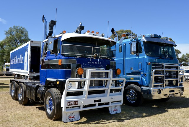 Mack Cabovers