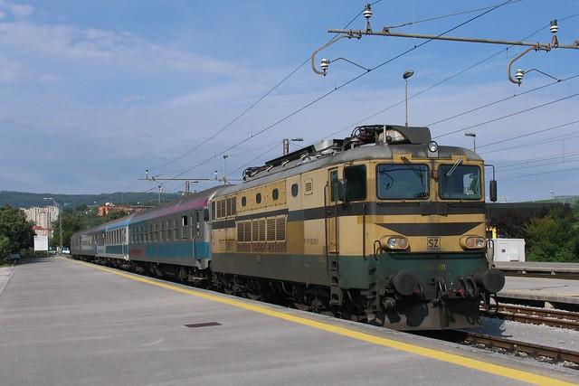 SŽ 342-011 te Koper op 5-8-2010