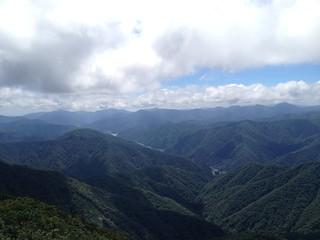 冠山 山頂より徳山湖方面 | by ichitakabridge