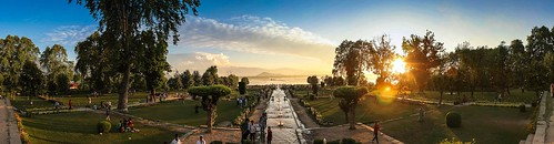 sunset panorama india garden wideangle kashmir srinagar dallake waterchannel mughalgarden
