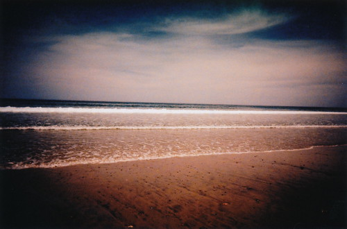 ocean film beach analog 35mm toy lomo xpro crossprocessed sand toycamera lofi slidefilm tungsten vignette southshore scituate humarock tungsten64 ultrawideandslim blackslimdevil lomographyxtungsten64