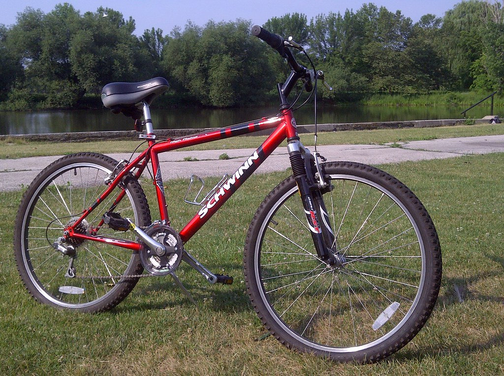 2f69980fe33 2004 Schwinn High Plains Mountain Bike   The one what brung …   Flickr