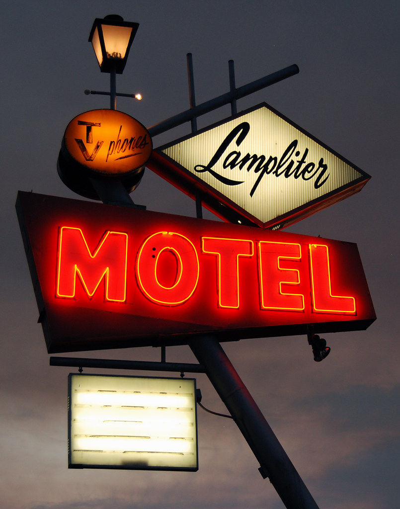 Lampliter Motel - 304 East Main Street, Burley, Idaho U.S.A. - July 7, 2017