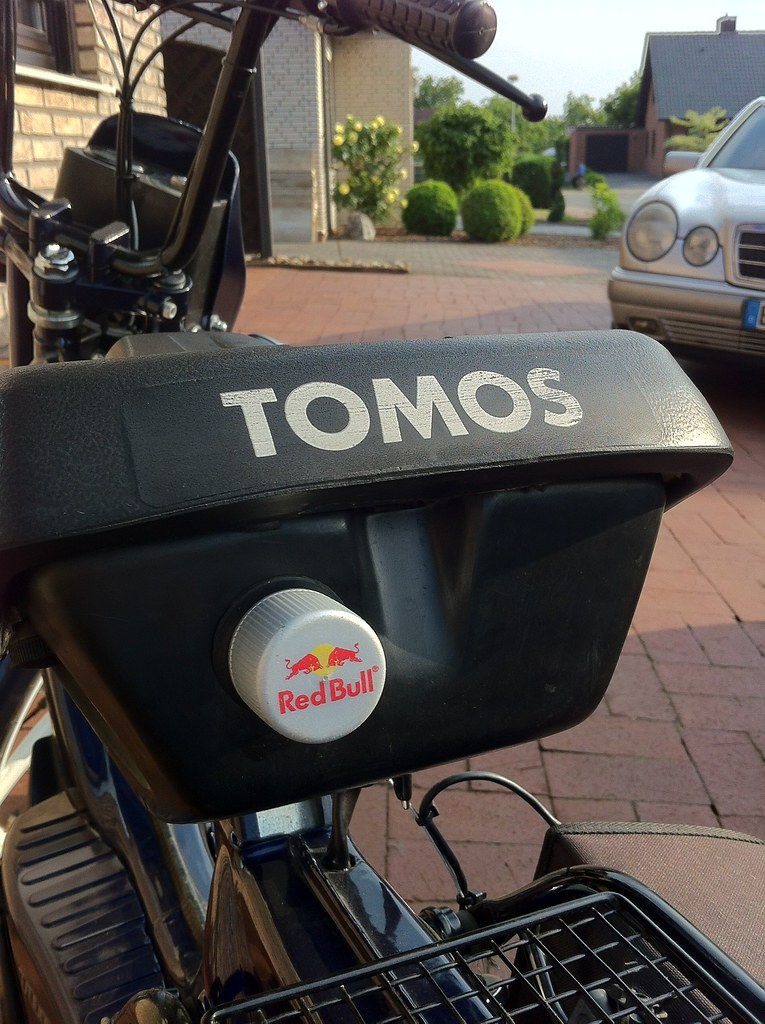 Custom rain cover for Tomos Moped USB Seat mod   I knew it w