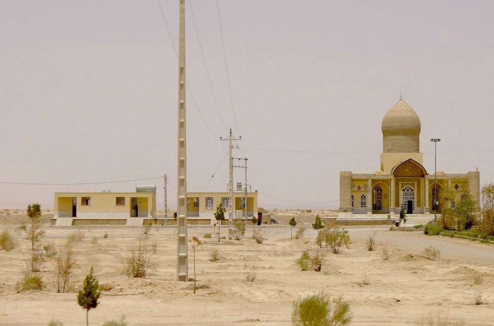 yazd-shiraz-L1020965