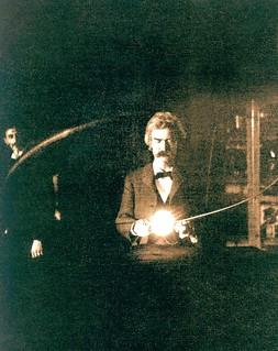 Mark Twain en el laboratorio de Nikola Tesla (Nueva York, 1894) | by Recuerdos de Pandora