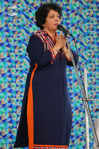 Dr. Sheelu Keswani from Huston, USA, seeking blessings