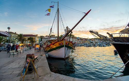 malilošinj boats sailboat sailing adriatic adriaticsea sea seascape cityscape jadranskomore jadran otoci otoklošinj croatia croatianislands lošinjisland hrvatska hrvatskiotoci nikond600 nikkor173528