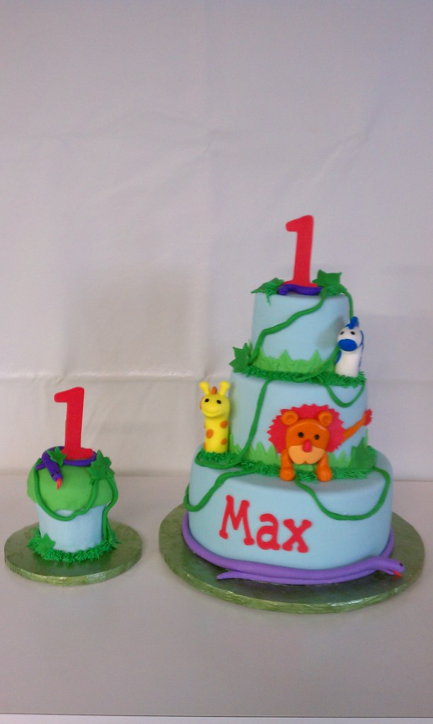 Incredible Safari Themed Birthday Cake And Matching Smash Cupcake Flickr Funny Birthday Cards Online Chimdamsfinfo