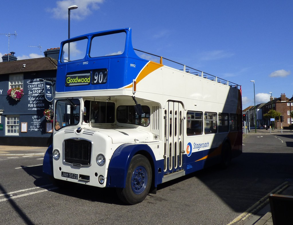Stagecoach East 19952 (JAH 552D) Chichester 11/9/16