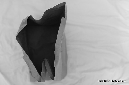 blackandwhite bags challenge miksang paperbag canonxsi masterclasslive