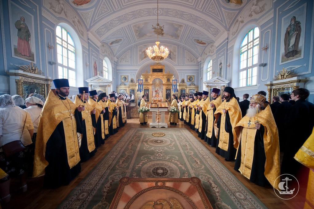 16 июня 2012, Всенощное бдение в Неделю 2-ю по Пятидесятнице и Всех святых в земле российской просиявших