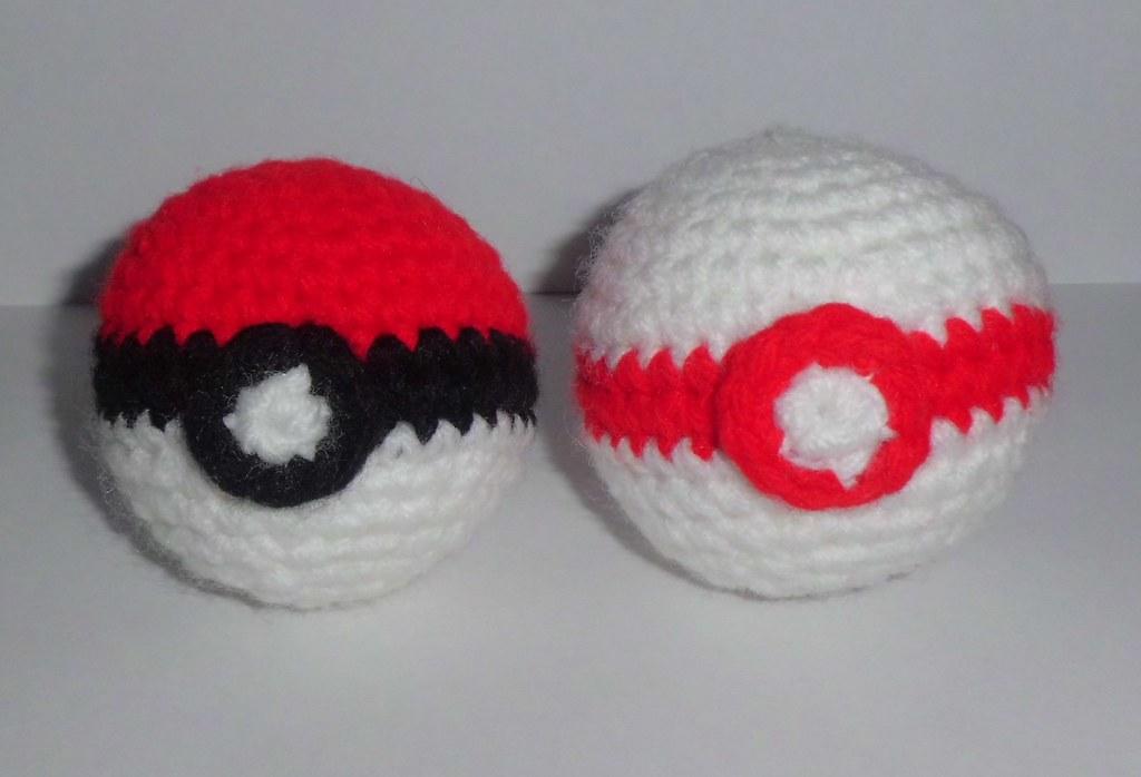 PokemonGo! CrochetGo! : how to crochet a Great Ball ! - free pattern   698x1024
