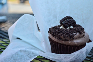 Cookies & Cream cupcake @ Lola's | by m01229