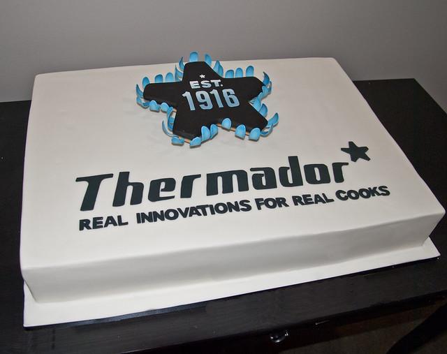 C2084-thermadore-corporate-cake-toronto