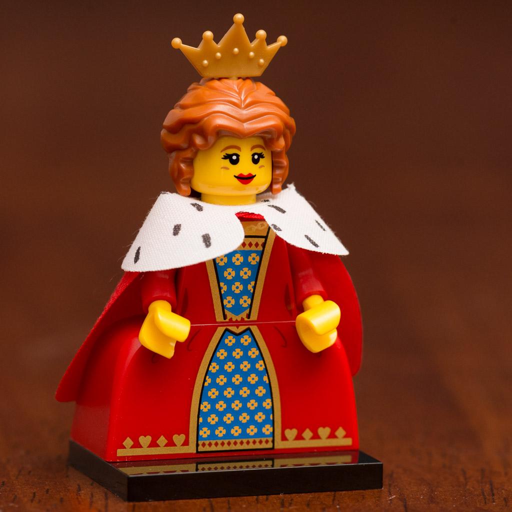 LEGO Minifigure serier 15 Queen Royal