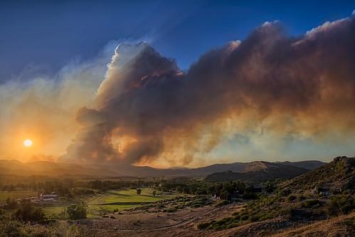 sunset news nature landscape fire nikon colorado highpark dusk smoke event dome smokey co forestfire frontrange hdr wildfire plume bellvue larimer june22 binghamhill goathill pyrocumulus clff d700 2012a highparkfire