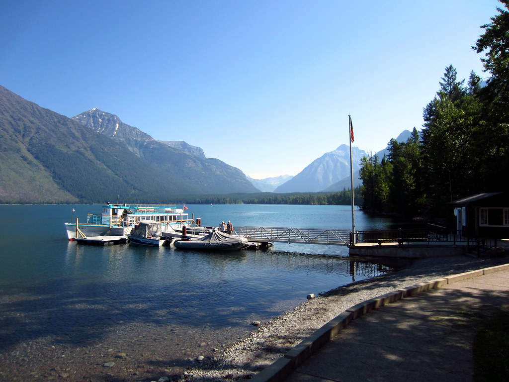 Lake Mcdonald Lodge >> Lake Mcdonald Lodge Shoreline 3 One Of The Many Beautifu Flickr