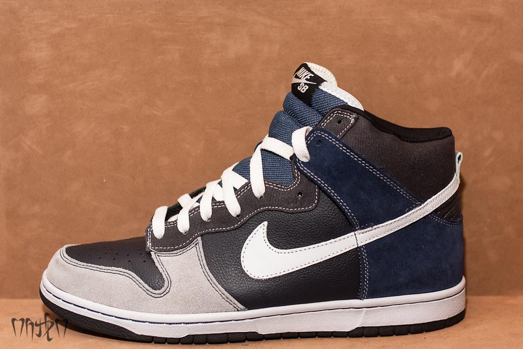 on sale 06e4a e2c99 Nike SB Dunk High
