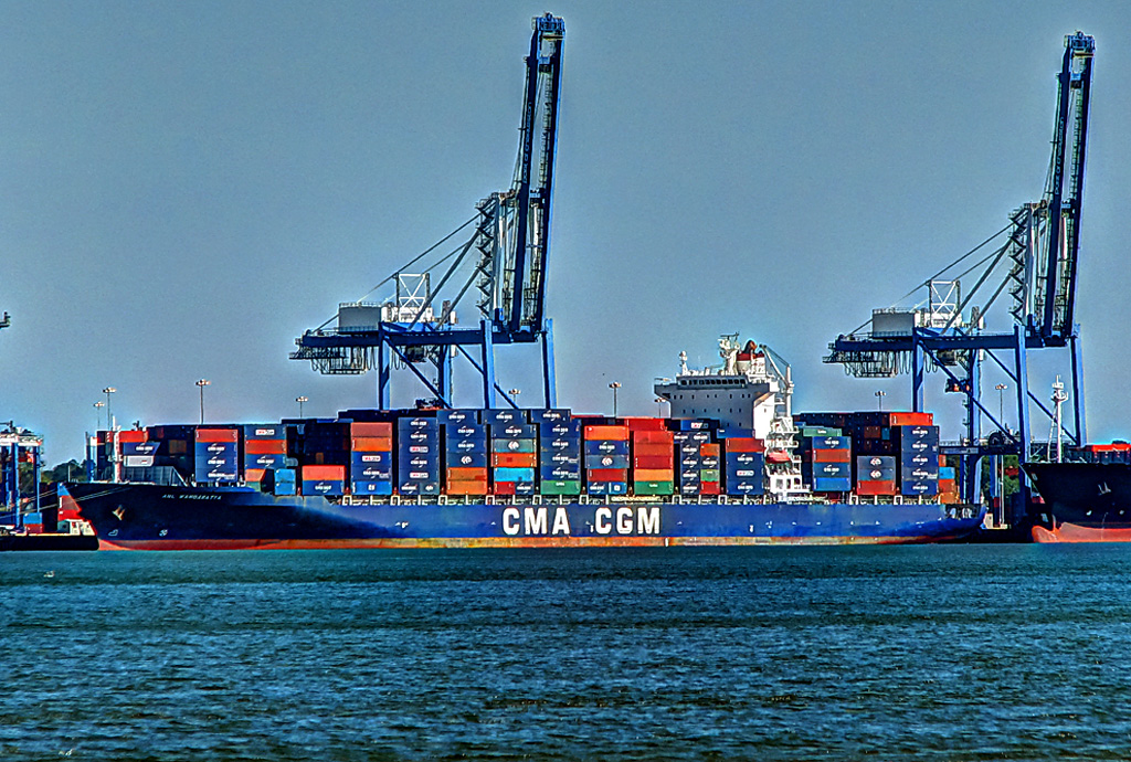 ANL WANGARATTA | The CMA CGM container ship was loaded and r