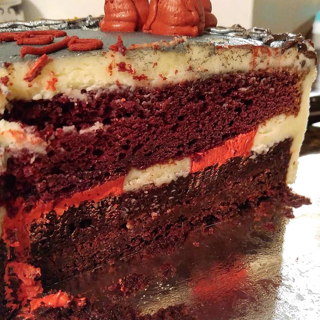 Amazing Red Velvet Birthday Cake Another Years Birthday Cake Done Flickr Funny Birthday Cards Online Fluifree Goldxyz
