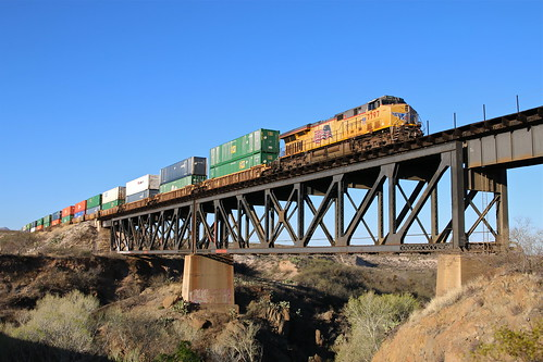 trains railroads unionpacific up lordsburgsubdivision stacktrains cienegacreek dpu arizona