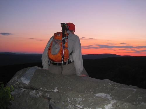 sunset summer geotagged ma outdoors us unitedstates hiking backpack verano crepusculo westernmassachusetts granitegear squawpeak trekkingpoles berkshirecounty monumentmountain chilaca monumentmountainreservation