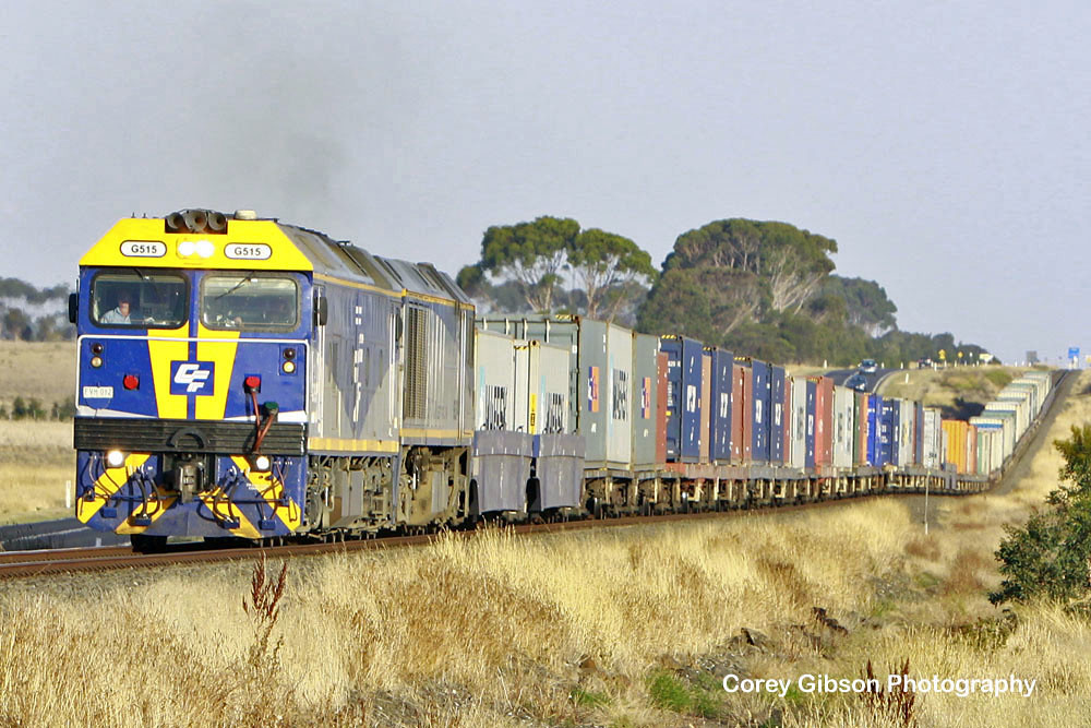 G515 & EL54 head out passed Wingeel by Corey Gibson