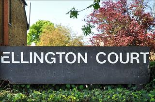 Ellington Court / Sign