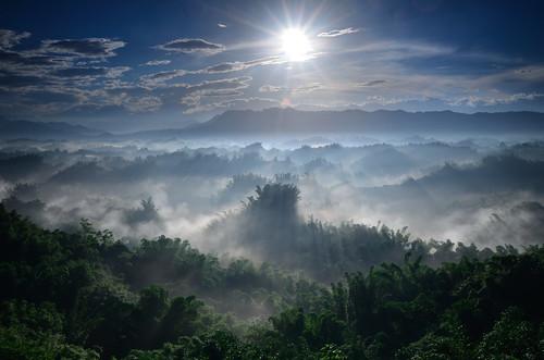 sunrise taiwan 台灣 台南 雲海 月世界 二寮 斜射光 左鎮
