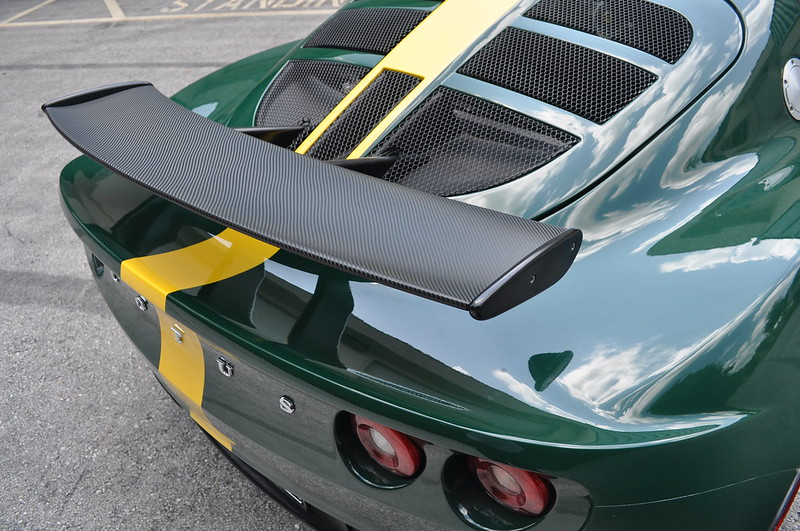 Carbon fiber vinyl wrap from TechnoSigns