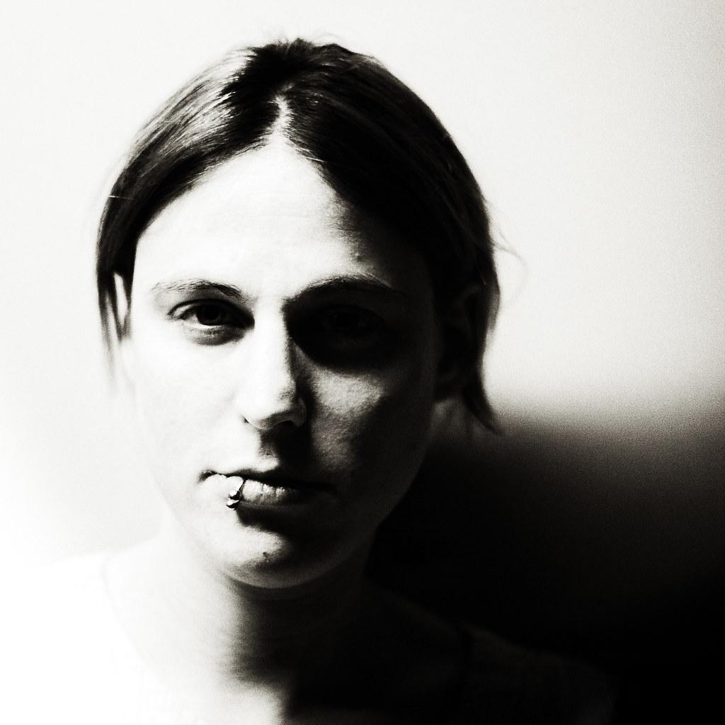 release date: 0c51f 86395 portrait-4-2 | Andrea Schuh | Flickr