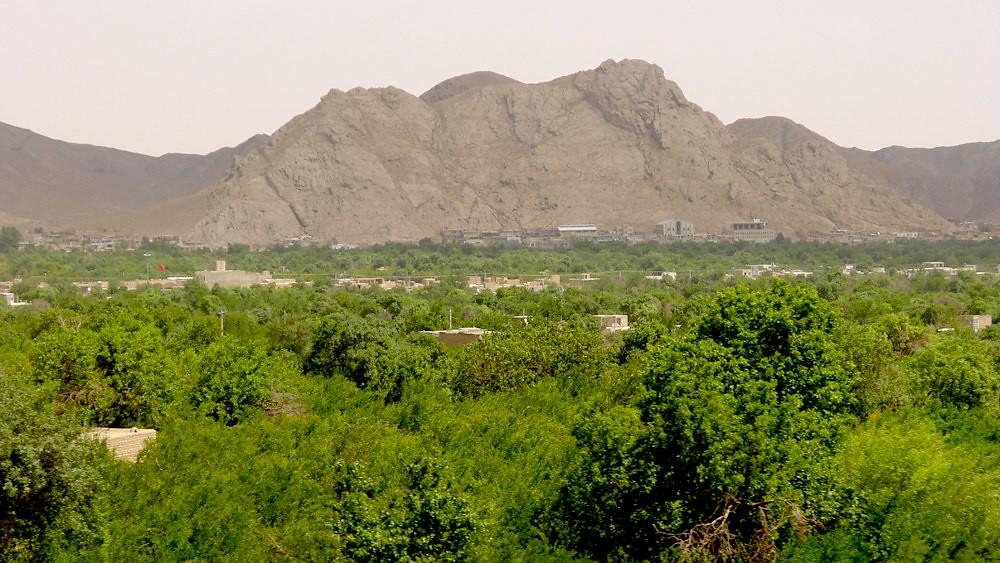 yazd-shiraz-L1020849