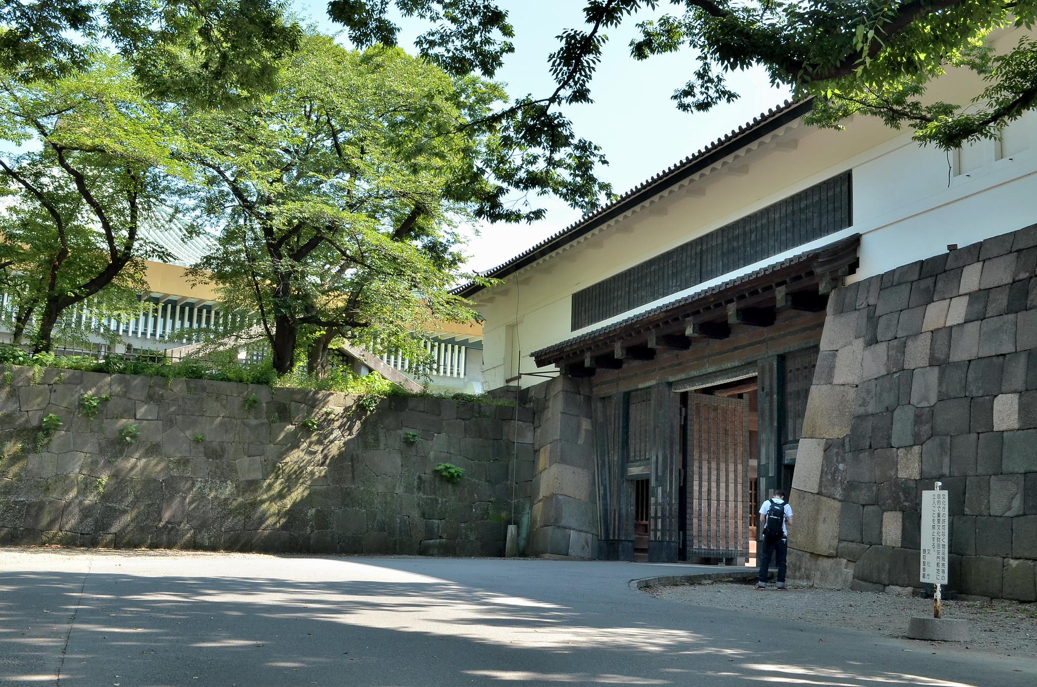 田安門 (Tayasu-mon)