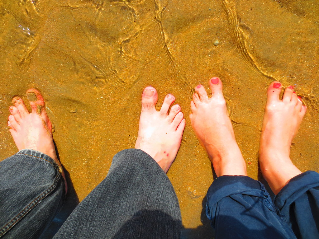 Feet inna BASE SYSTEMS