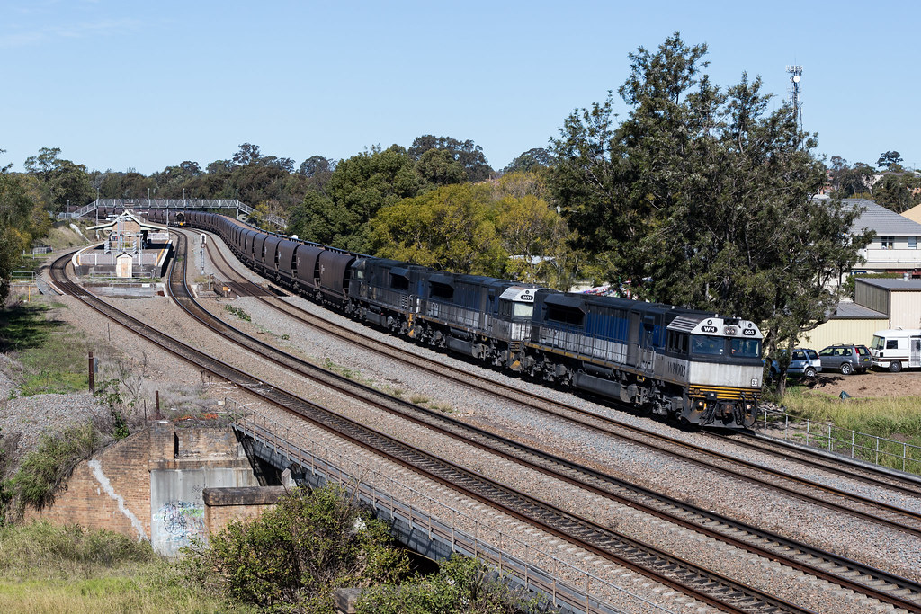 2016-08-11 Pacific National WH003-WH002-WH001 East Maitland WH532 by Dean Jones